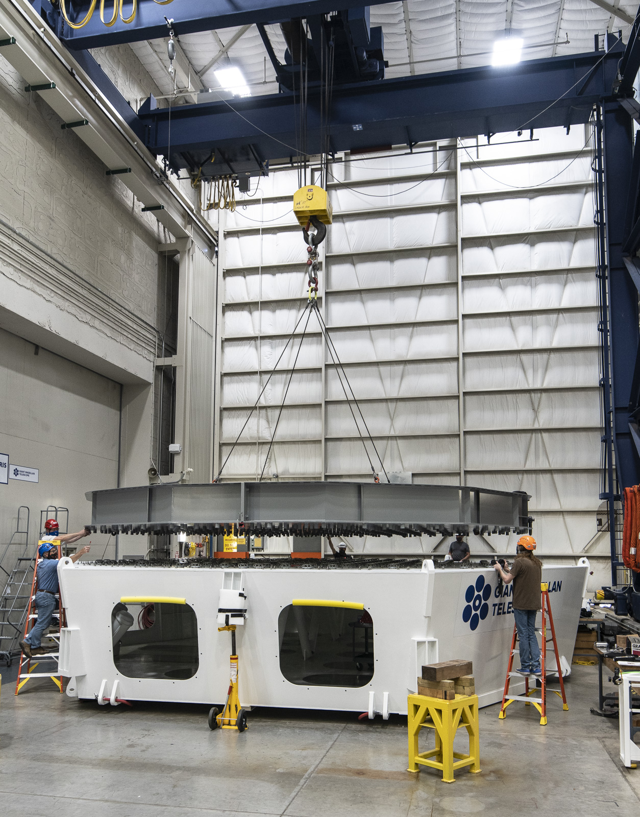Lowering the simulator onto the test cell, June 2020. Image credit: Steven West | Richard F. Caris Mirror Lab at the University of Arizona
